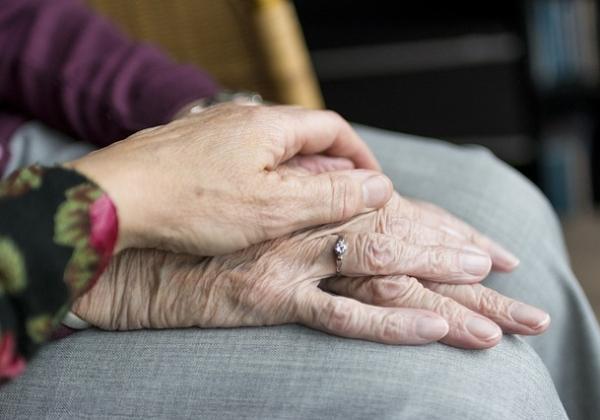 Volunteers included in Aged Care Royal Commission's proposed recommendations